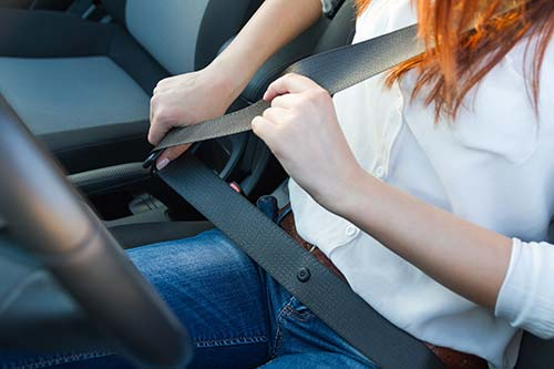 reasons to wear a seatbelt essays Sample expository essay on seatbelts many people do not wear seat belts if they are 'just going to the grocery store' when almost eighty percent of traffic.